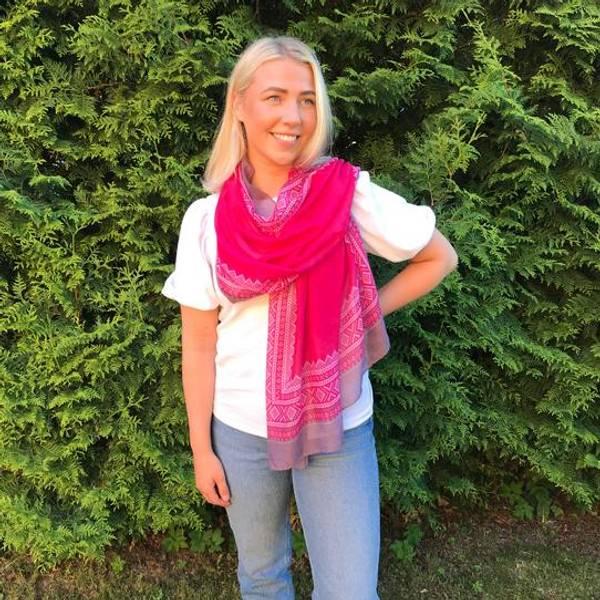 Bilde av Mariusskjerf, frisk rosa, hvit og grå